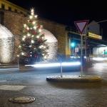 Weihnachtsbaum am Viadukt